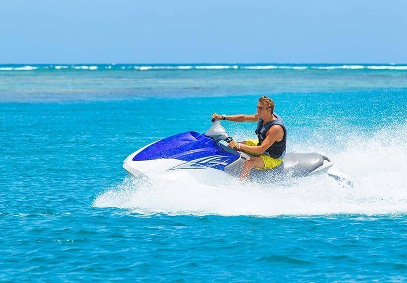 jet ski riding in flat water gallery extrevity