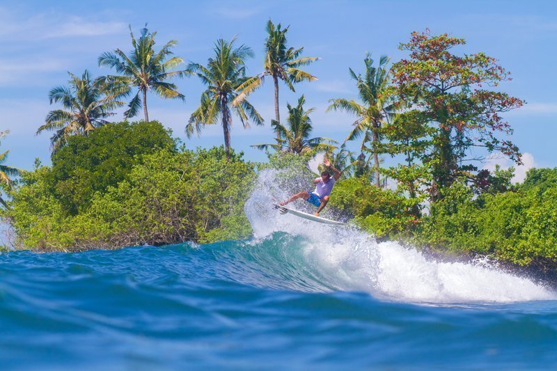 surfing in bali extrevity